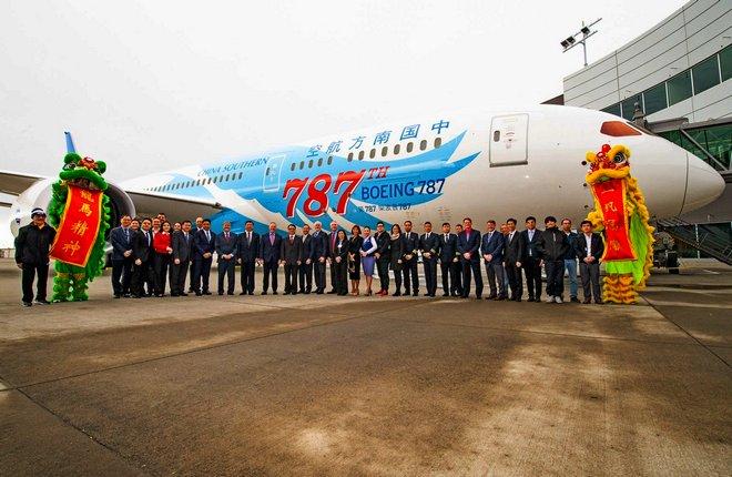 самолет Boeing 787 China Southern в необычной раскраске