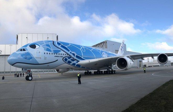 самолет A380 ANA в необычной раскраске