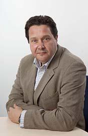 Директор EasyJet по Великобритании Пол Симмонс развеял подозрения ATO.ru о сложностях для низкотарифных компаний, которые, как можно было ожидать, возникают на длинных рейсах.