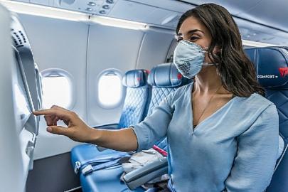 Delta passenger mask