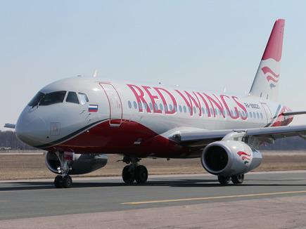 dme-ssj100-redwings-89021-435.jpg?itok=ElIZatou