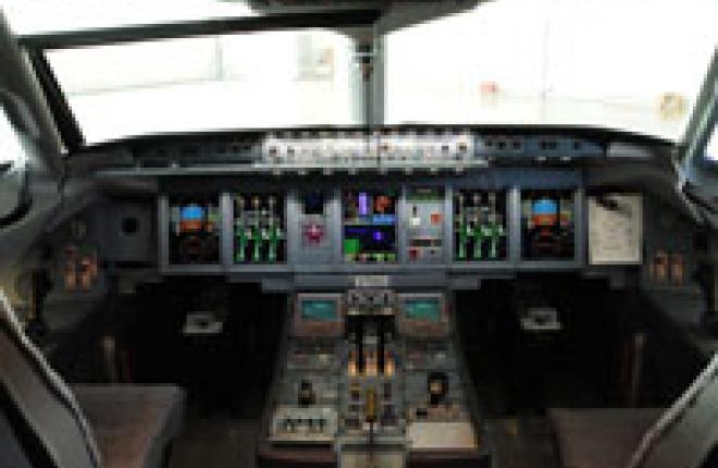 Завершились испытания системы управления полетом (FMS) CMA-9000 для SSJ 100