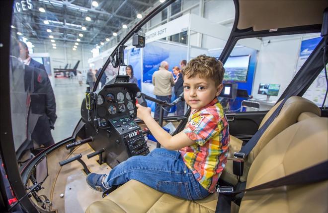 Главным авиационным событие недели в России стала вертолетная выставка HeliRussia 2017 :: Марина Лысцева