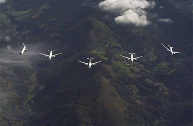 Airbus A350XWB: групповой пилотаж пяти бортов
