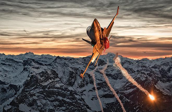 В Aviation Week определили лучших авиационных фотографов-2017