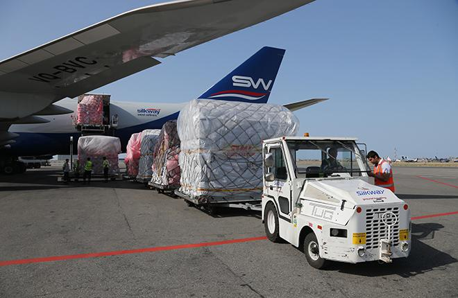 Одна из негативных тенденций, надежду на перелом которой дала эта неделя, стала затяжная стагнация на рынке грузовых авиаперевозок :: Федор Борисов // transport-photo.com