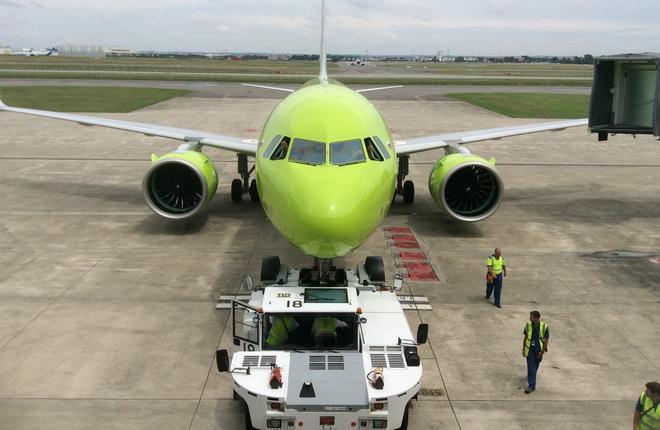 Самолет Airbus A320neo российской авиакомпании S7 Airlines