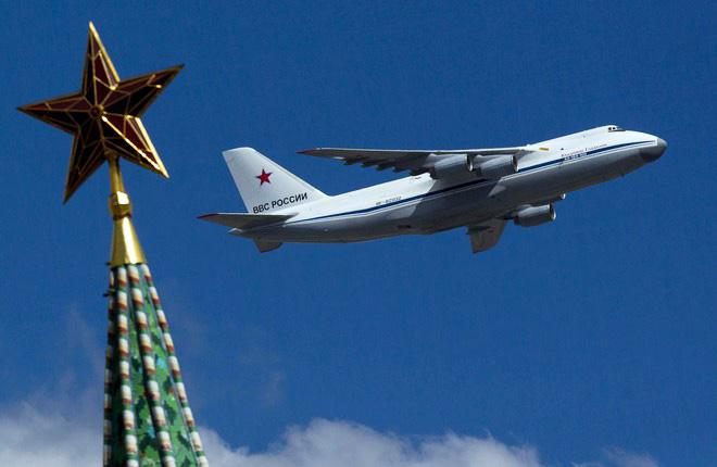 """Если """"кремлевский список"""" перерастет в санкции, это сильно осложнит работу российского авиастроения :: Леонид Фаерберг / Transport-Photo.com"""
