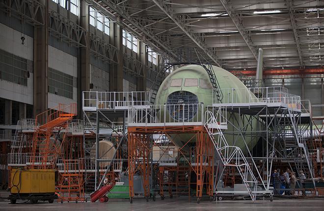 Одним из приоритетных проектов российского авиапрома стала разработка пассажирского самолета Ил-96-400М