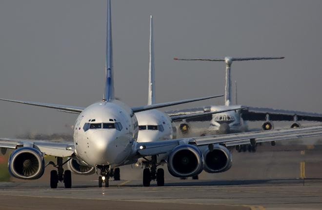 Чем жарче лето, тем больше нужно самолетов