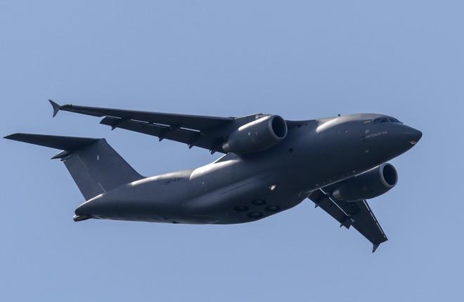 Транспортный самолет Ан-178
