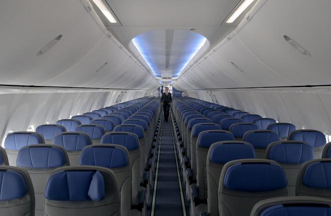 Интерьер самолета Boeing 737-800 авиакомпании