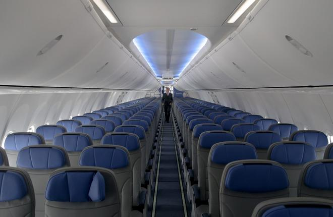 "Интерьер самолета Boeing 737-800 авиакомпании ""Белавиа"""