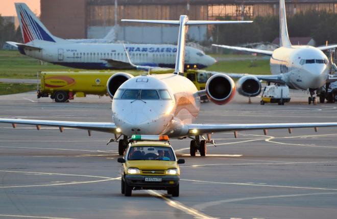 Самолеты в аэропорту Внуково