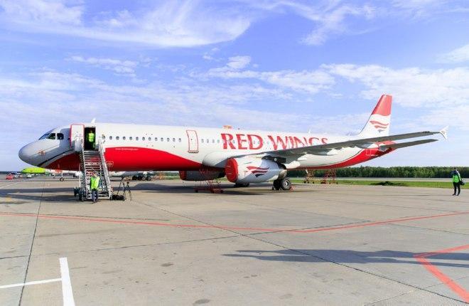 """Авиакомпания """"Россия"""" получила самолет авиакомпании """"Аэрофлота"""", авиакомпания Red Wings вернула в эксплуатацию Ту-204, авиакомпания Somon Air помогает турецкой авиакомпании Atlas Jet"""