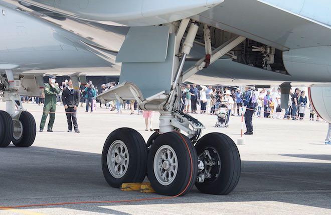 колеса самолета
