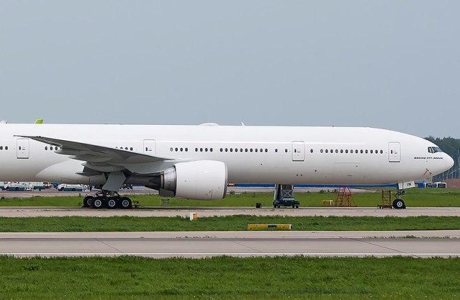 Самолет Boeing 777
