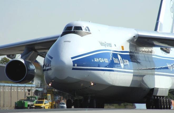 """А-124-100 """"Волга-Днепр"""""""