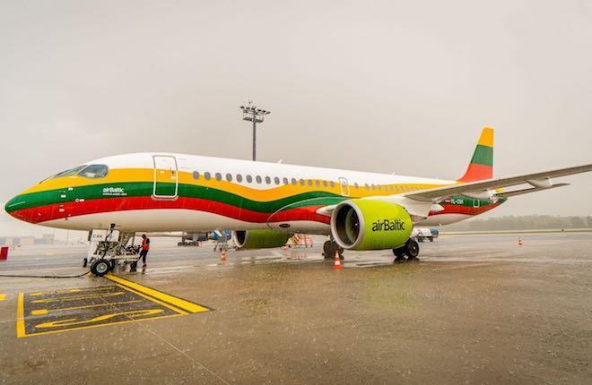 Самолет A220 YL-CSK аirBaltic