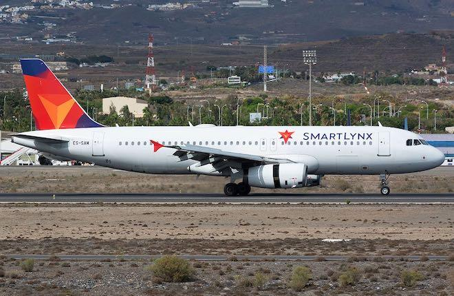 самолет Airbus A320 авиакомпании SmartLynx