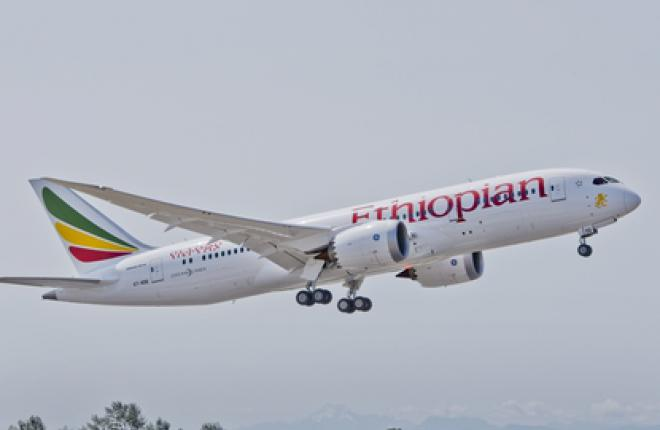 Первый коммерческий рейс Boeing 787 после остановки самолетов в начале 2013 г.