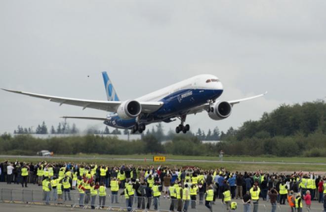 Самолет Boeing 787-9 выполнил первый полет