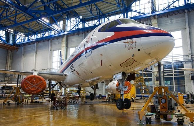 Техническое обслуживание самолета SSJ 100