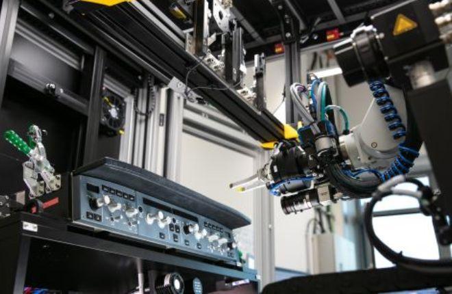 Робот RoCCET от Lufthansa Technik