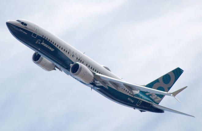 самолет Boeing 737MAX