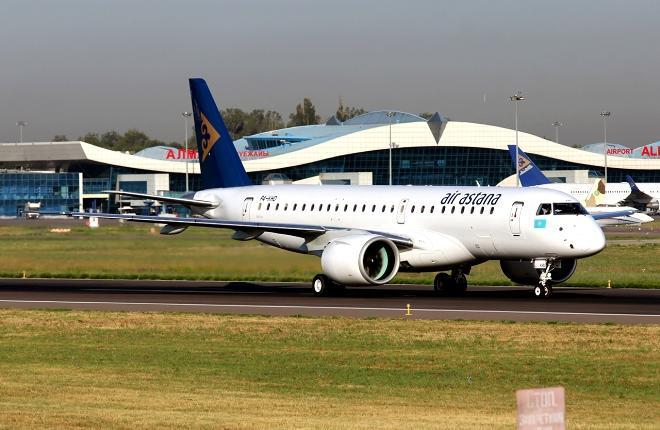 Самолет Air Astana в аэропорту Алма-Аты