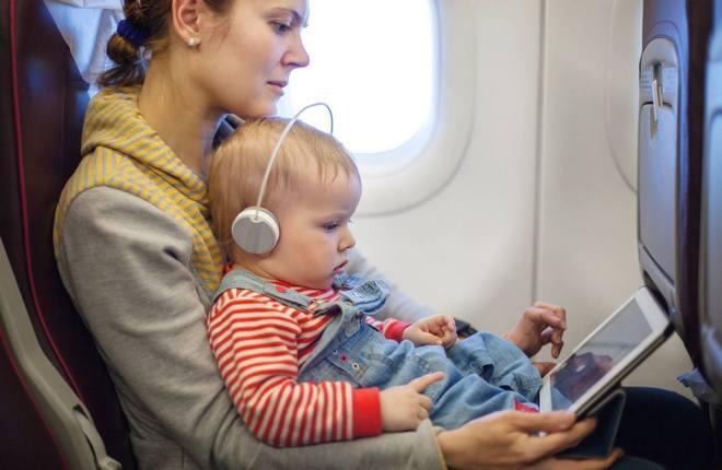 Использование беспроводной системы развлечений на борту самолета