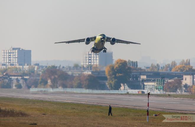 Последний самолет Ан-148 российской сборки выполнил первый полет