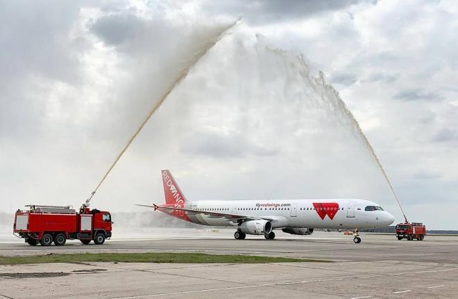 самолет A321 авиакомпании Red Wings