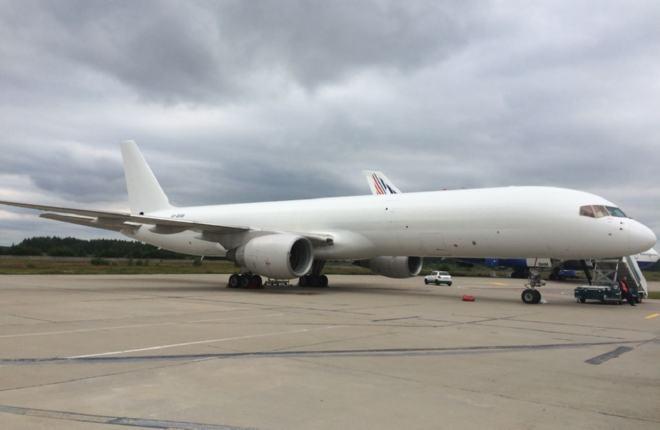 """Авиакомпания """"Ерофей"""" ввезла первый Boeing 757, Red Wings временно завершила расширение флота"""