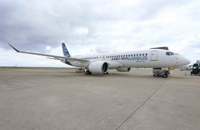 самолет Airbus A220