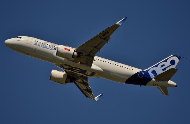 Самолет A320neo