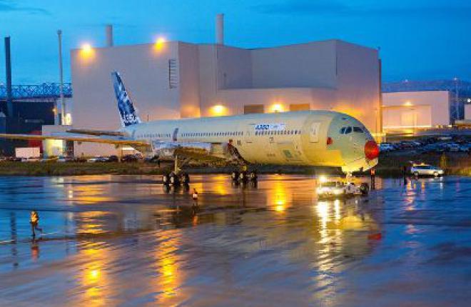 Airbus собрал первый летный образец самолета Airbus A350 XWB