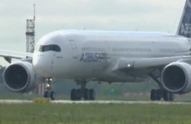 Самолет Airbus A350XWB совершил первый испытательный полет