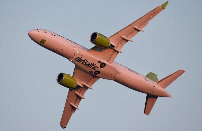 Авиакомпания airBaltic получила четвертый самолет CS300