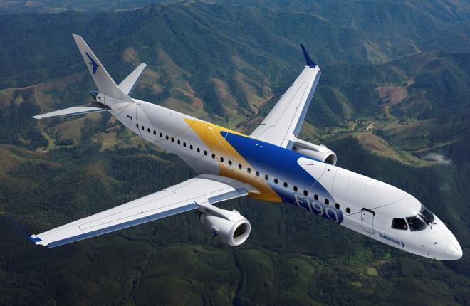 Самолет E190