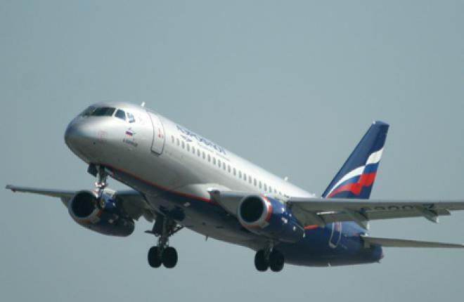 Самолет SSJ 100 совершил аварийную посадку