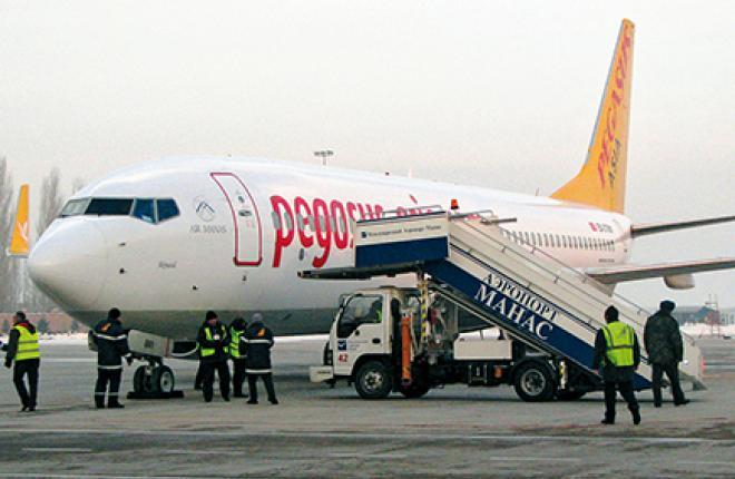 Первый в истории гражданской авиации Киргизии Boeing 737NG EX-37801 в аэропорту Манас, декабрь 2014 гОДА