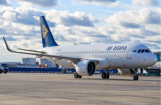 Самолет Airbus A320neo авиакомпании Air Astana в московском аэропорту Домодедово