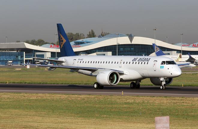 Самолет Embraer авиакомпании Air Astana