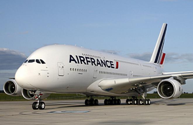 Самый большой в мире самолет A380 столкнулся с региональным самолетом
