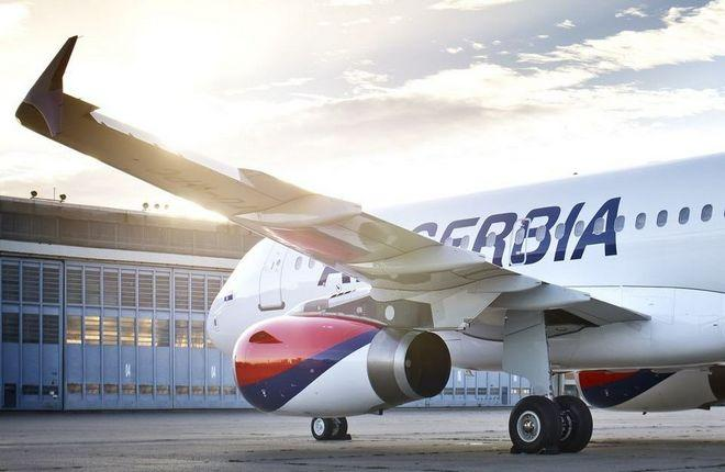самолет авиакомпании Air Serbia