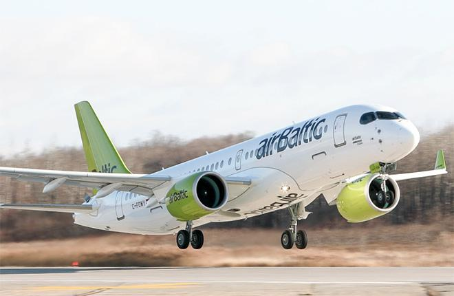 Самолет Bombardier CS300 авиакомпании airBaltic