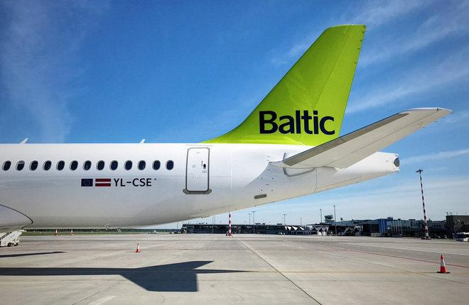 Самолет CS300 авиакомпании airBaltic