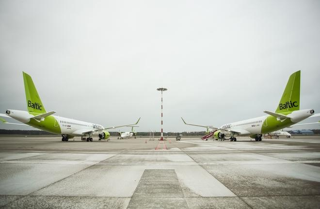 самолеты A220-300 airBaltic