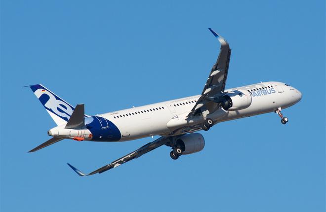 Самолет Airbus A321neo